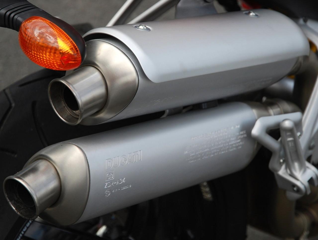 Co zrobić, aby czuć się bezpiecznie podczas jazdy motocyklem?